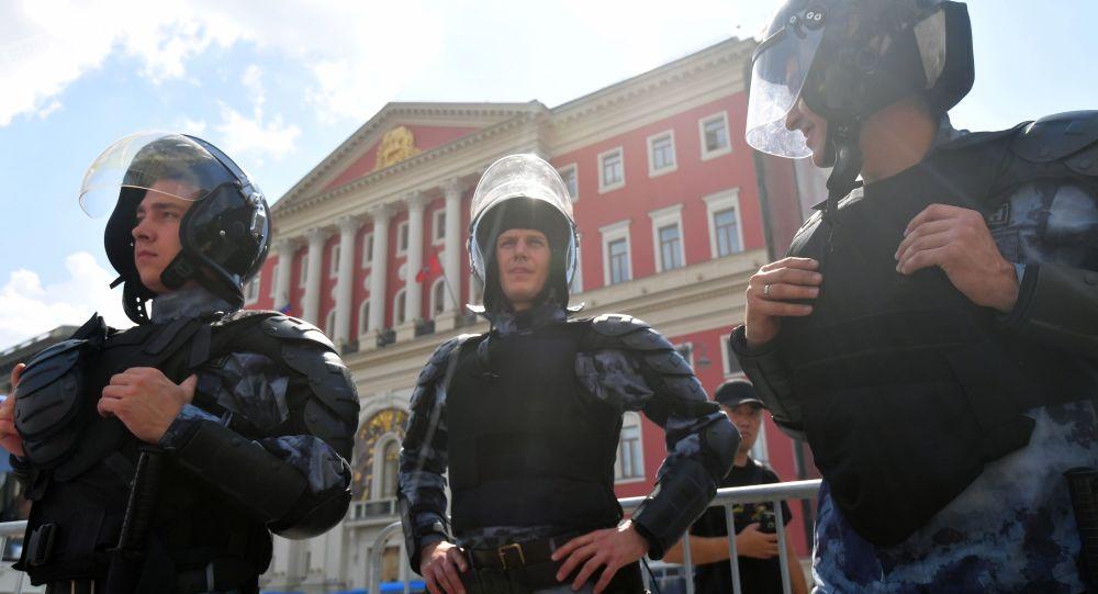 OMON na nielegalnej akcji protestacyjnej w Moskwie