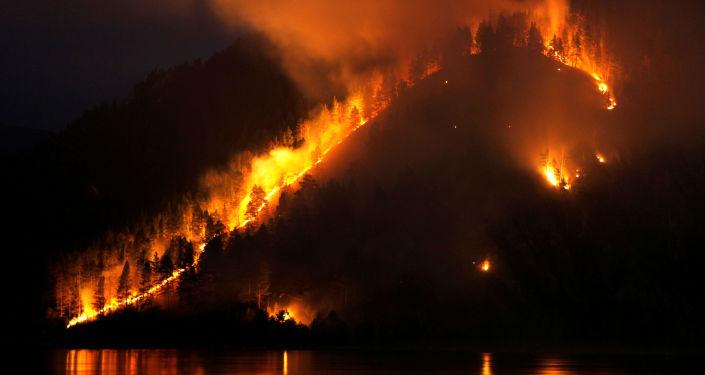 Pożar lasu w Kraju Krasnojarskim