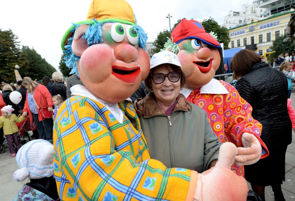 Turyści koło Cyrku Nikulina w Moskwie