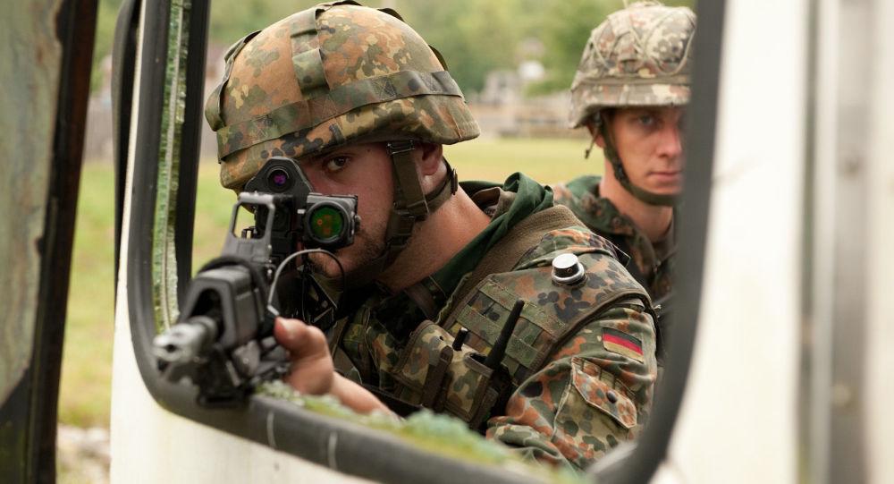 Niemiecki wojskowy na ćwiczeniach Bold Quest