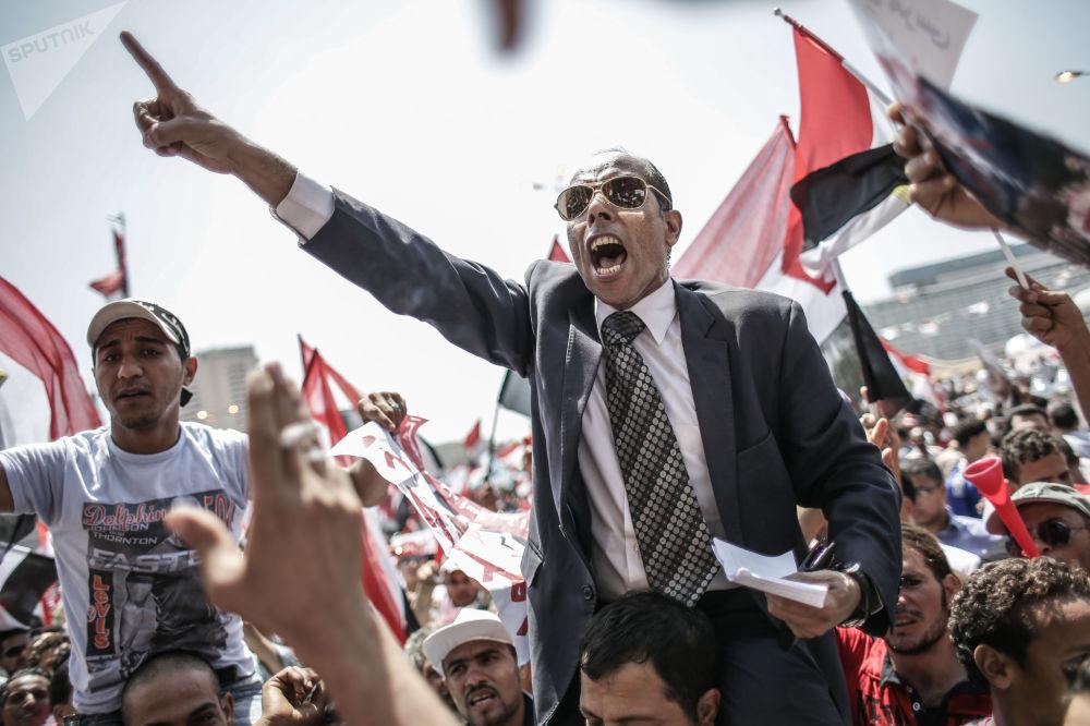 Przeciwnicy prezydenta Muhammada Mursiego w Egipcie