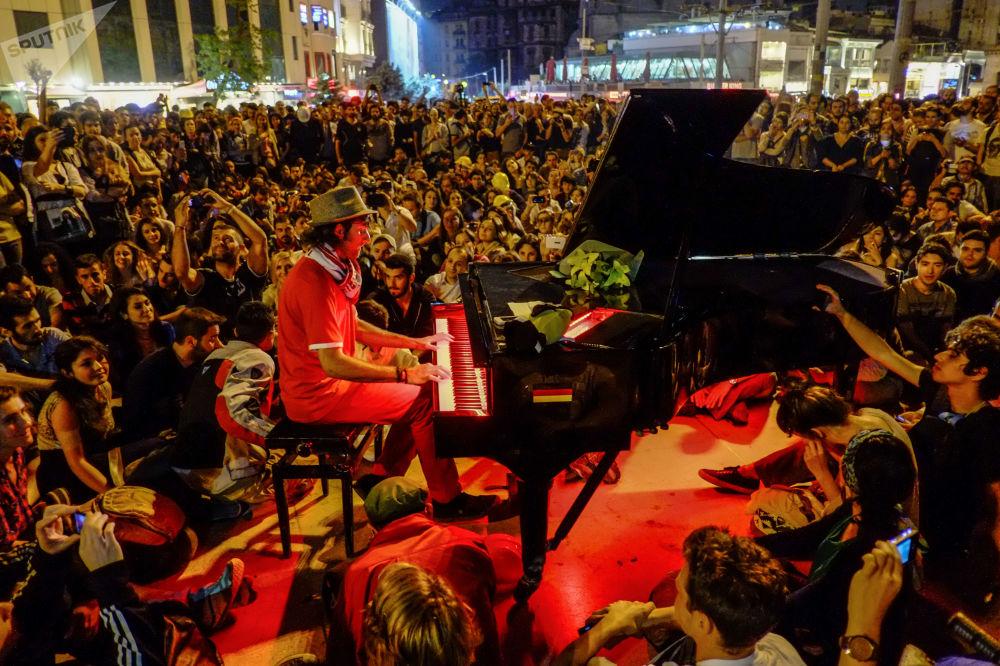 Koncert dla protestujących w Stambule