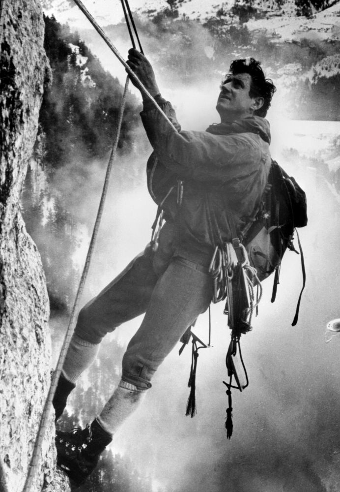 Francuski alpinista René Desmaison we francuskich Alpach, 1968 rok