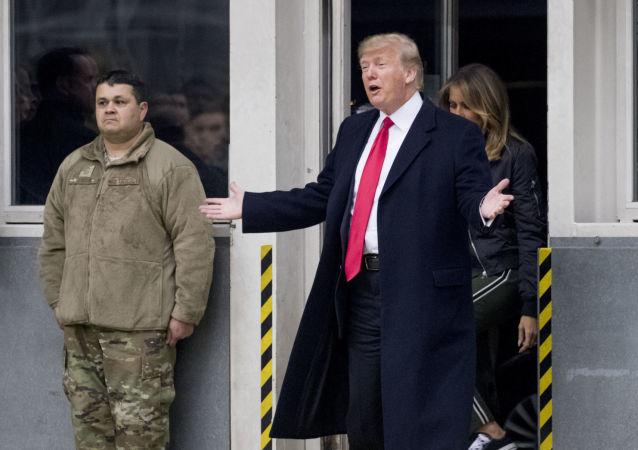 Donald Trump odwiedza żołnierzy w bazie lotniczej Ramstein w Niemczech