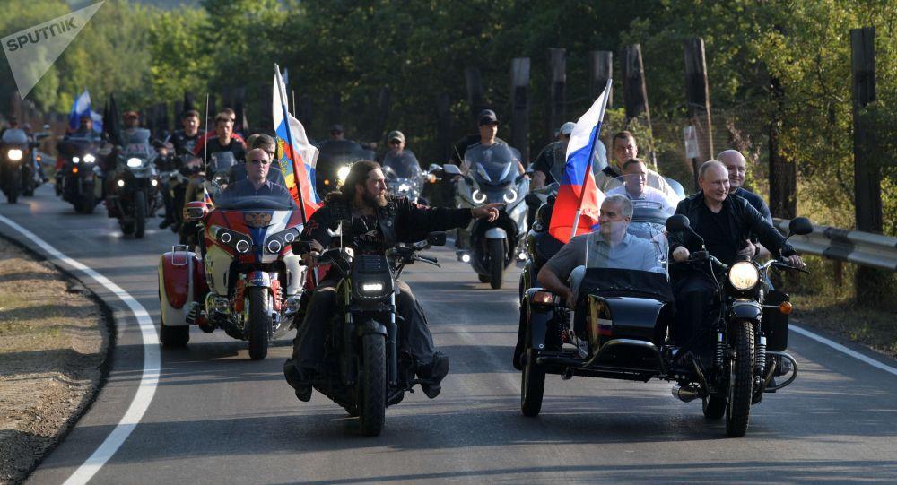 Wizyta Władimira Putina na Krymie i spotkanie z klubem Nocne Wilki