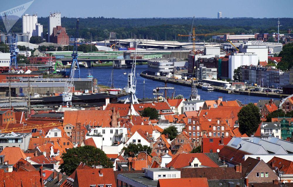 Widok miasta Lubeka z góry.