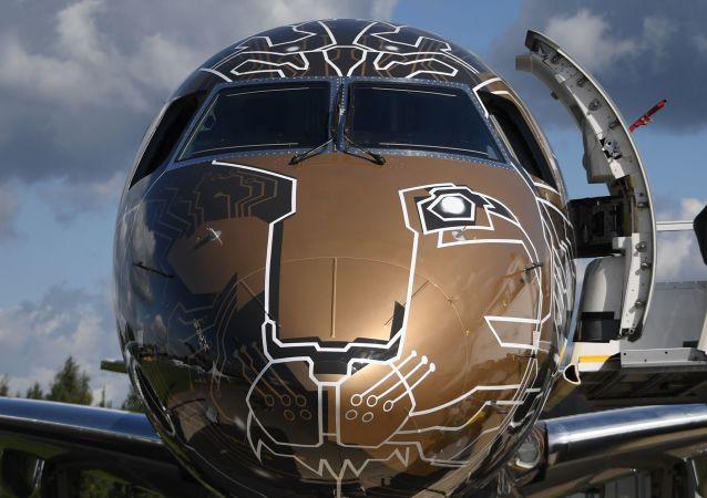 Brazylijski samolot E-Jet E2 na Międzynarodowym Salonie Lotniczym i Kosmicznym MAKS 2019