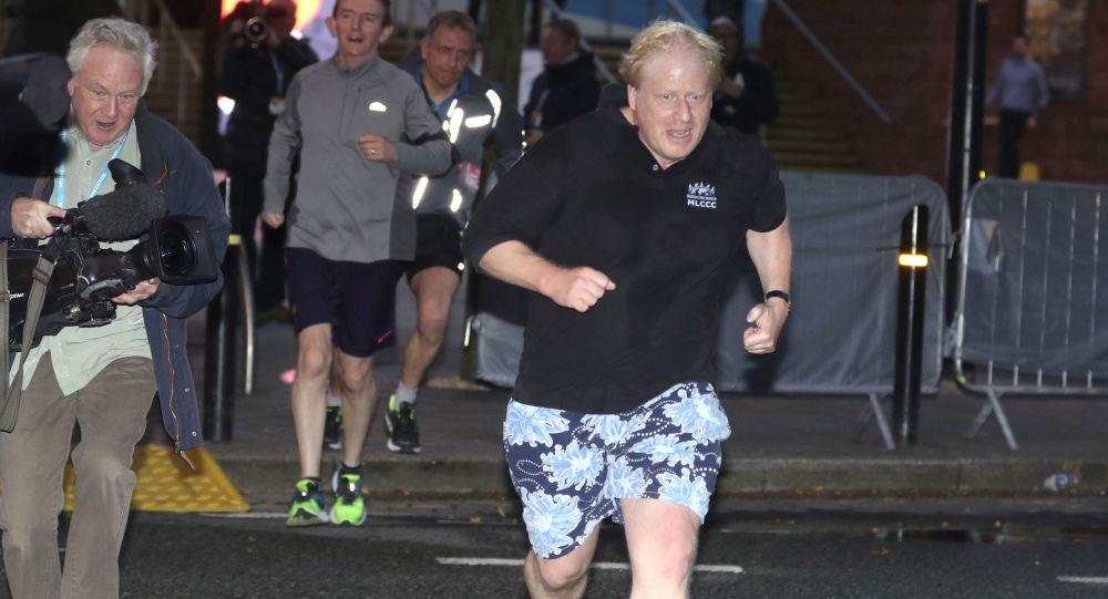 Boris Johnson na porannym biegu