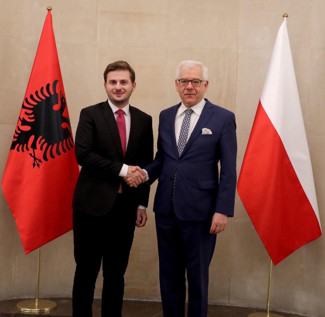 Minister spraw zagranicznych Polski Jacek Czaputowicz i minister spraw zagranicznych Albanii Gent Cakaj podczas spotkania w Warszawie