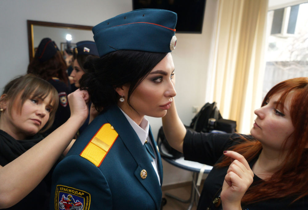"""Uczestniczki piątego dorocznego konkursu """"Piękno w mundurze"""" w Krasnodarze"""