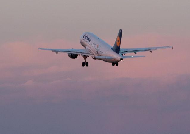 Samolot linii lotniczej Lufthansa