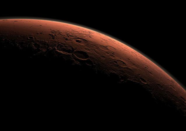 Planeta Mars o wschodzie słońca
