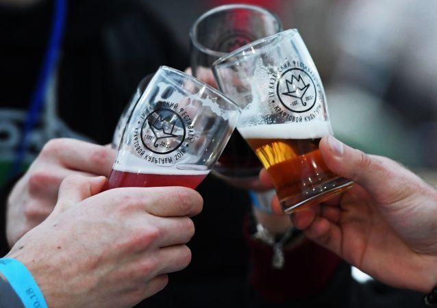 Piwo na festiwalu kultury kraftowej w Kazaniu