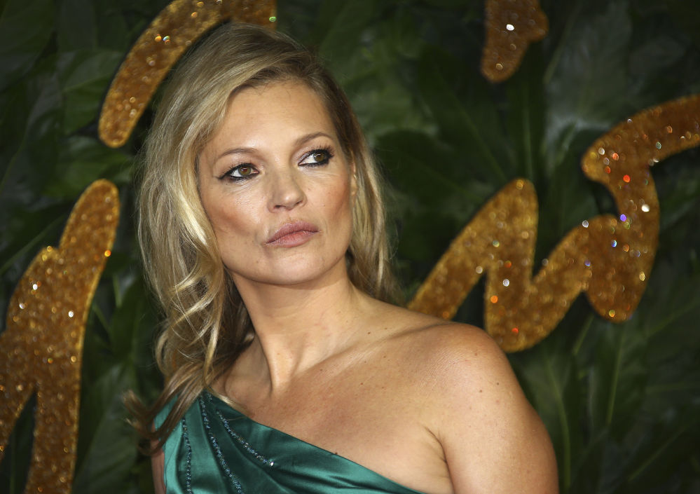 Modelka Kate Moss podczas The Fashion Awards 2018 w Londynie