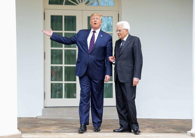 Prezydent Stanów Zjednoczonych Donald Trump na spotkaniu z włoskim kolegą Sergio Mattarellą