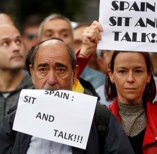 """Protest """"Spain: sit and talk"""" w Barcelonie"""