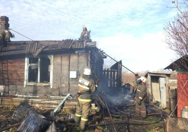 Pożar w domu na stacji Leninsk w Żydowskim Obwodzie Autonomicznym