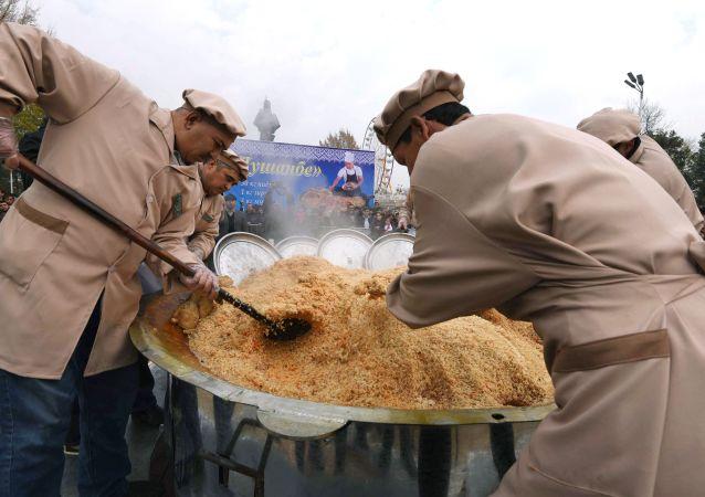 Święto płowu w Duszanbe