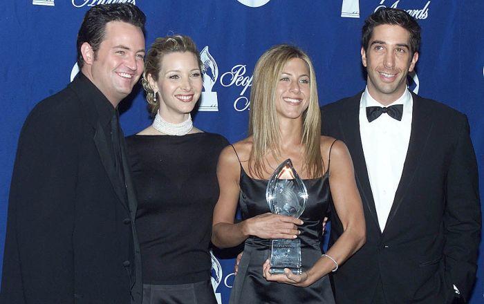 """Aktorzy serialu """"Przyjaciele"""" w 2000 roku"""