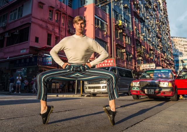"Zdjęcie ""Own the streets of Hong Kong"" fotografa z Hongkongu na konkursie fotograficznym The World's Best Photos of #Fashion2019."