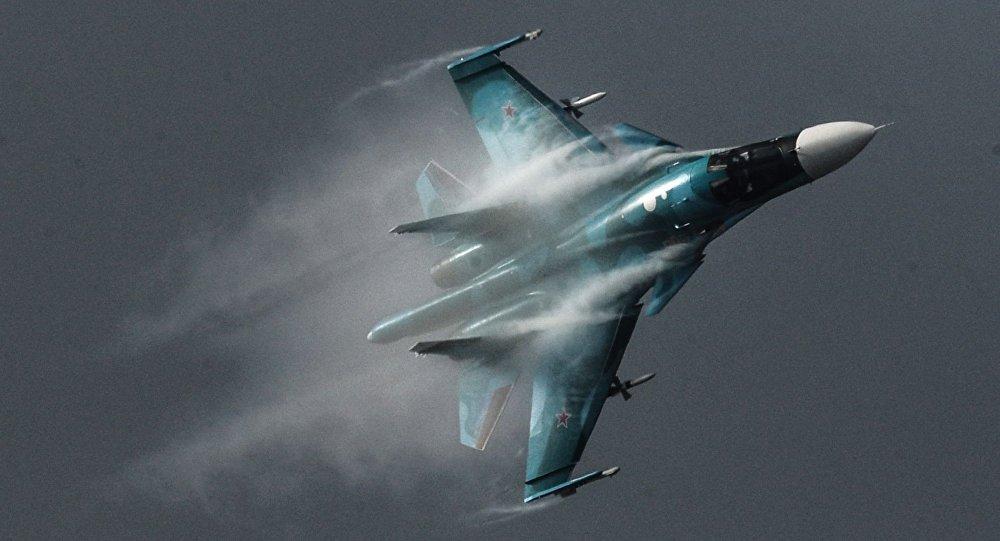 Rosyjski wielozadaniowy bombowiec taktyczny Su-34