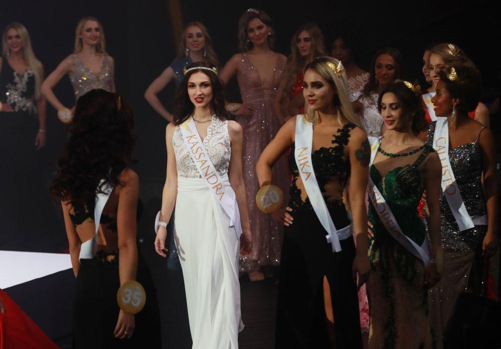 Uczestniczki finału międzynarodowego konkursu Miss Fashion 2019 GODDESS OF THE UNIVERSE w Moskwie