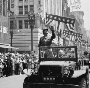 Generał amerykańskiej armii George S. Patton w Los Angeles, 1946 rok