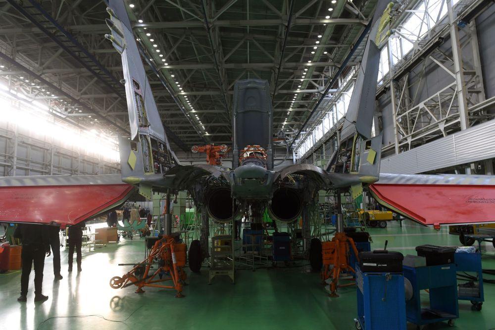 Myśliwiec MiG-35 w zakładzie Łuchowickiej Fabryki Lotniczej im. Woronina