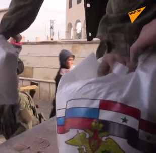 Rosjanie wkroczyli do Rakki: przynieśli ze sobą jedzenie dla mieszkańców