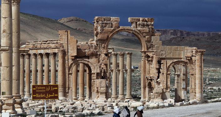 Łuk triumfalny w syryjskim Palmirze