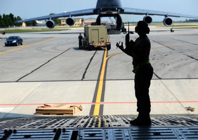 Żołnierze wojsk USA w bazie lotniczej Incirlik w Turcji