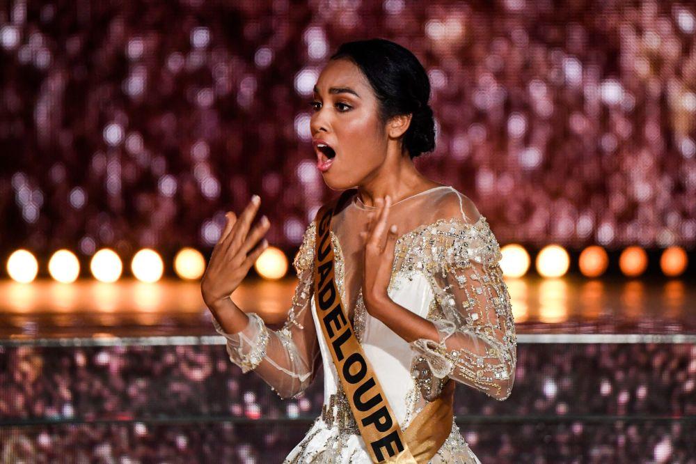 Reprezentująca Gwadelupę Clemence Botino - zwyciężczyni konkursu piękności Miss Francji na rok 2020