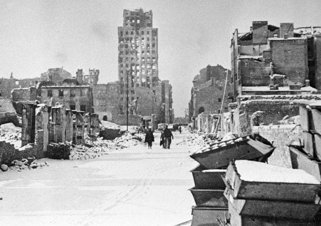 Warszawa po wyzwoleniu z okupacji, 1945 rok