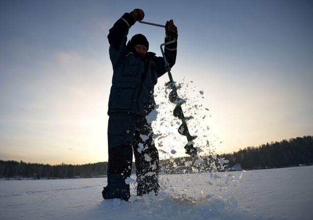 Łowienie w przeręblu