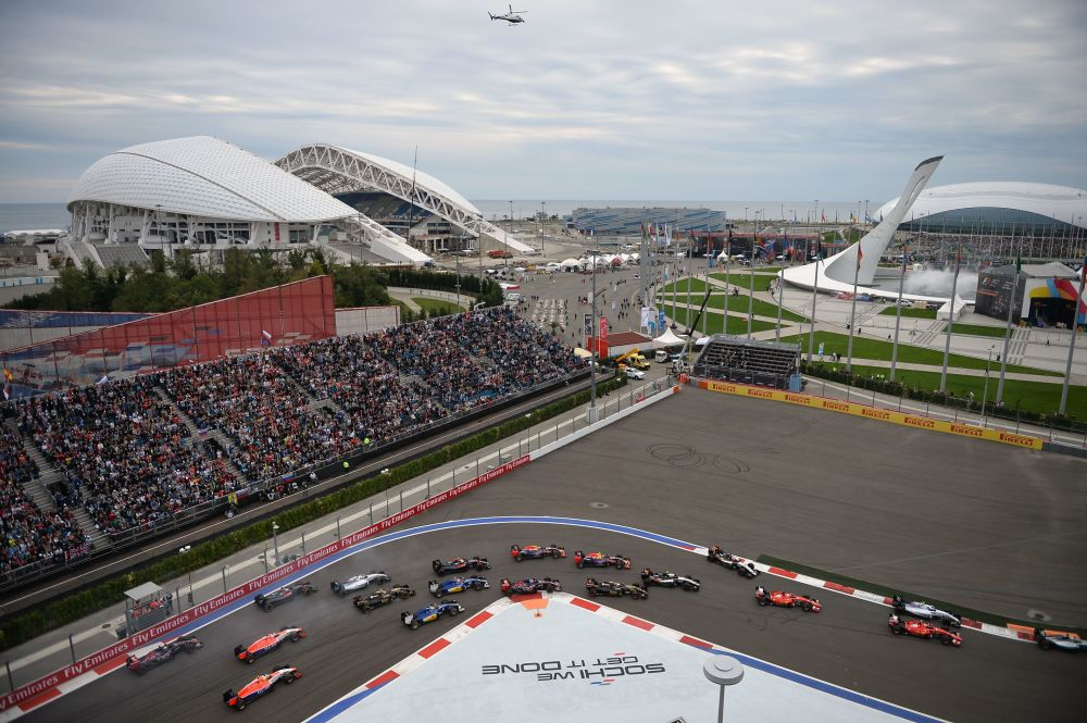 W sumie w wyścigu wzięło udział 20 kierowców z 10 zespołów. Do mety dotarło 14.