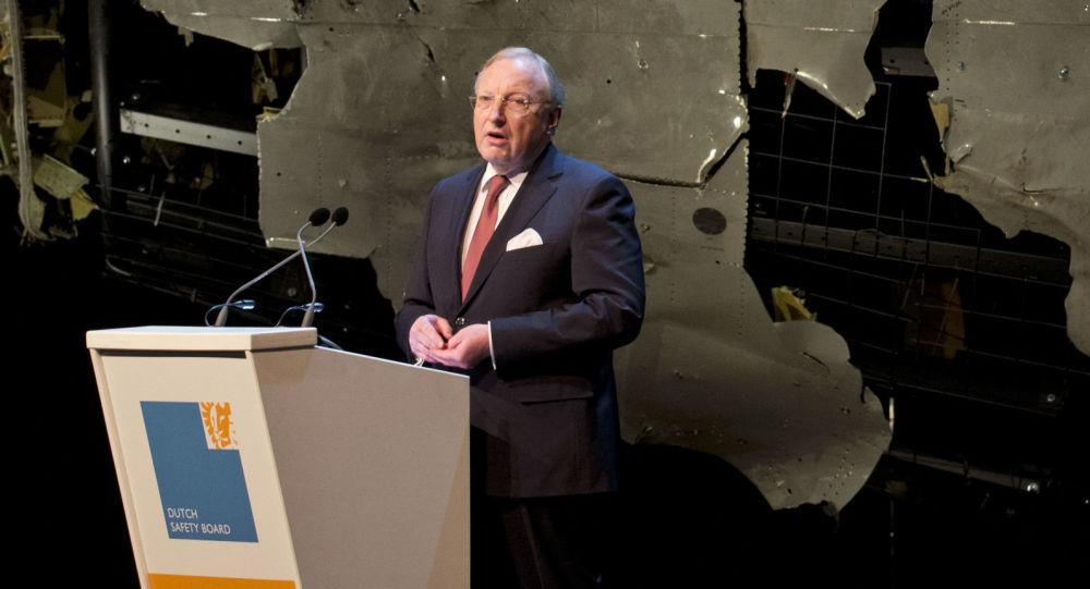 Przewodniczący Holenderskiej Rady Badawczej ds. Bezpieczeństwa Tjibbe Joustra