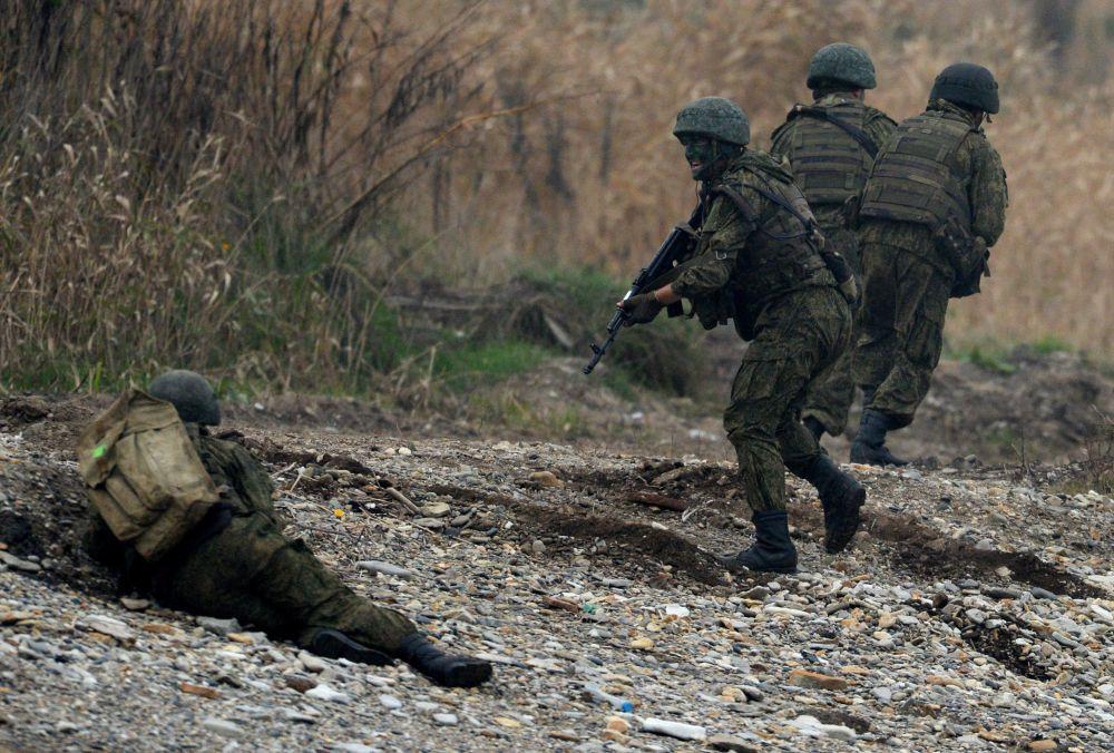 Według planu szkoleń wybrzeże zostało zajęte przez terrorystów.