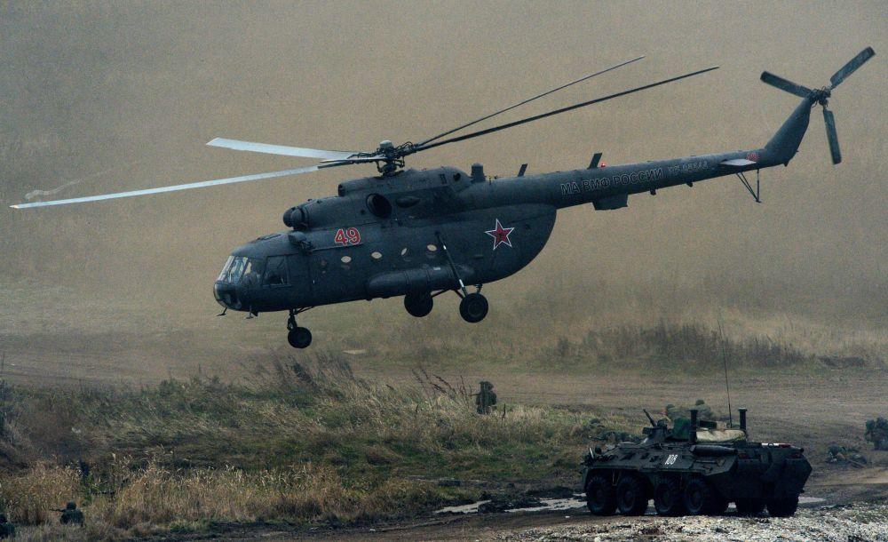 Po przeprowadzeniu fazy zwiadowczej na linię brzegową z pomocą kutrów desantowych i śmigłowca Mi-8 zostały wysadzone grupy jednostek inżynieryjnych piechoty morskiej.