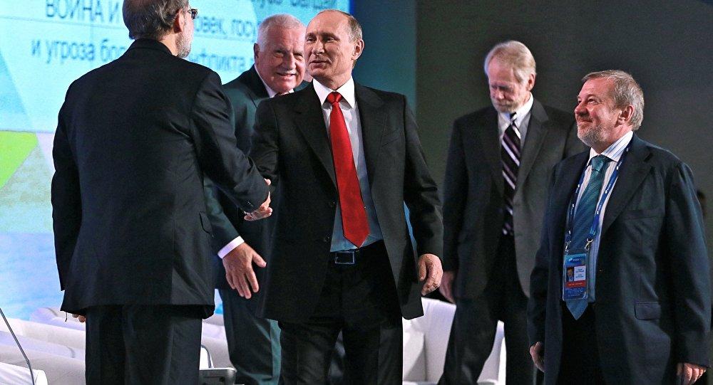 """Władimir Putin na forum klubu """"Wałdaj"""""""