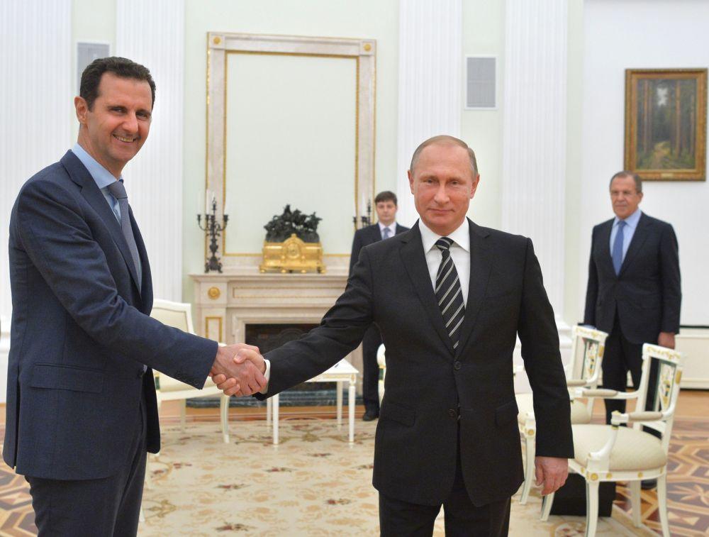 Prezydent Syrii Baszszar Asad i prezydent Rosji Władimir Putin podczas spotkania w Moskwie