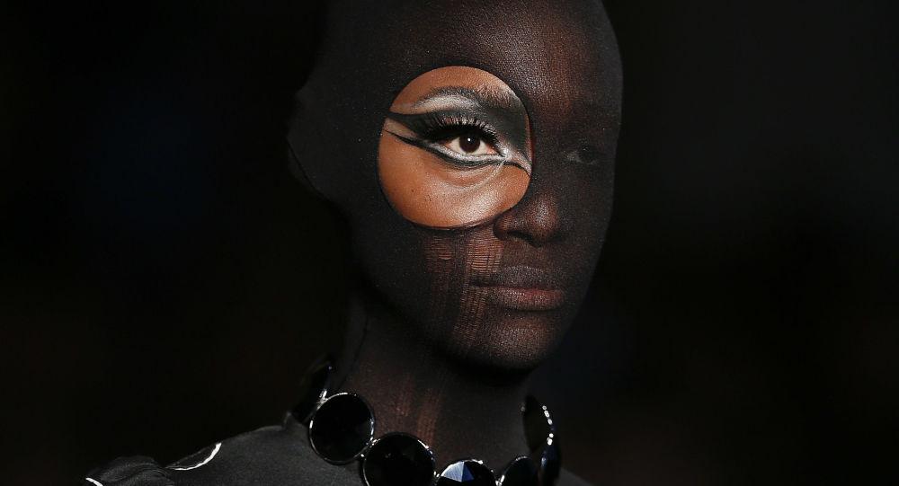 Modelka na pokazach mody w São Paulo