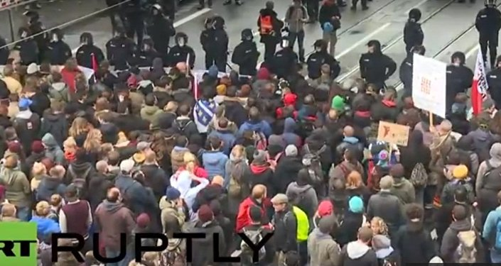 """Ruch """"Chuligani przeciwko salafitom"""" protestuje w Kolonii"""