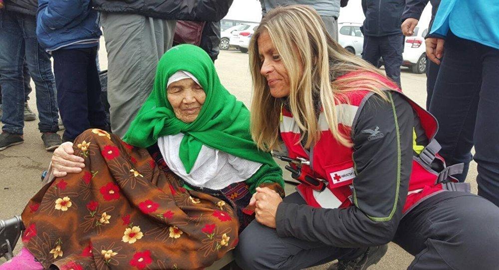 105-letnia obywatelka Afganistanu Bibihal Mirzayev w obozie dla uchodźców w Chorwacji