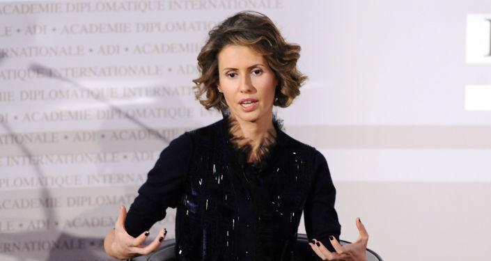 """""""Róża pustyni - żona prezydenta Syrii Baszara al-Asada Asma podczas wizyty we Francji"""