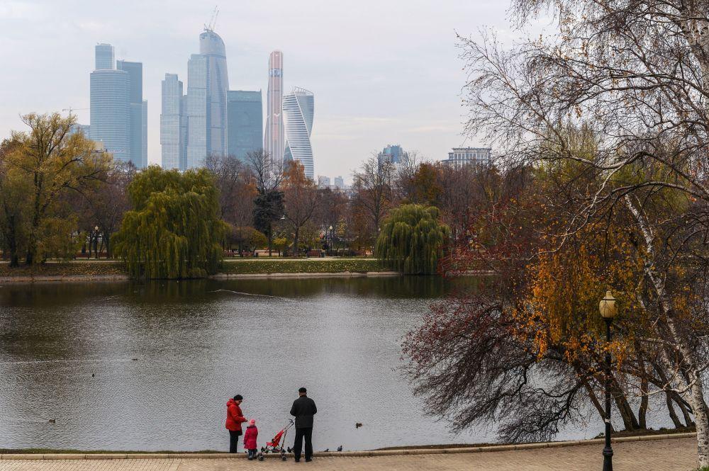 Widok na Moskiewskie Międzynarodowe Centrum Biznesowe Moskiewskie City