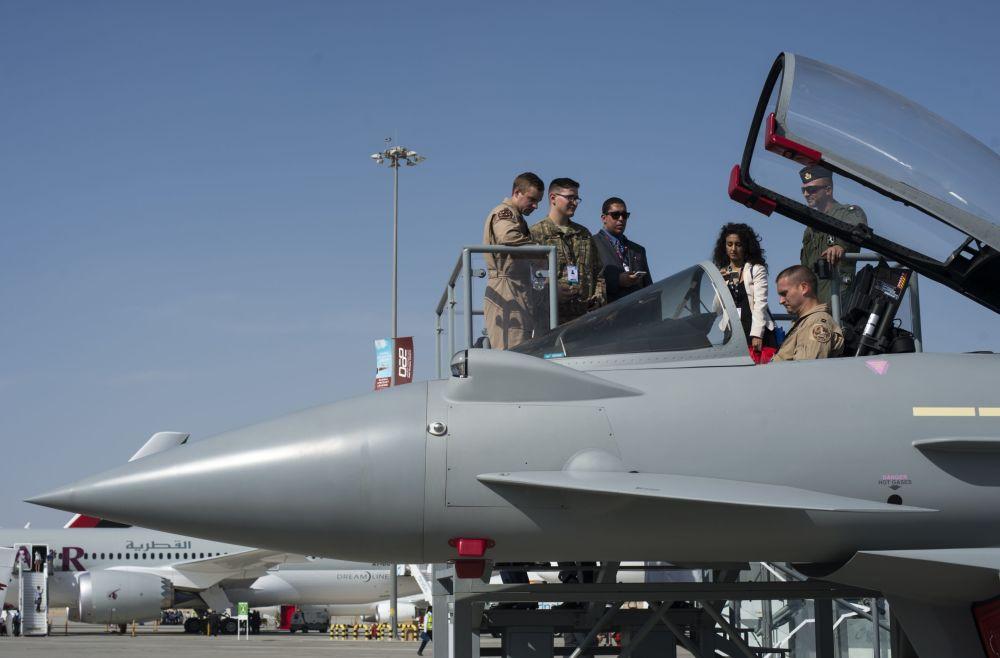 Myśliwiec Eurofighter Typhoon na Międzynarodowej Wystawie Lotniczo-Kosmicznej w Dubaju