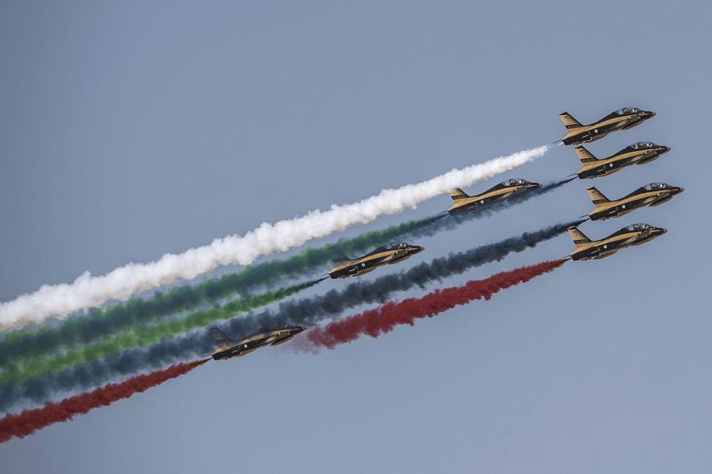 Grupa pilotażowa Wojskowych Sił Powietrznych Zjednoczonych Emiratów Arabskich Al Fursan na Międzynarodowej Wystawie Lotniczo-Kosmicznej w Dubaju