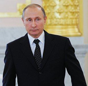 Prezydent Rosji Władimir Putin na uroczystości wręczenia listów uwierzytelniających na Kremlu, 26 listopada 2015