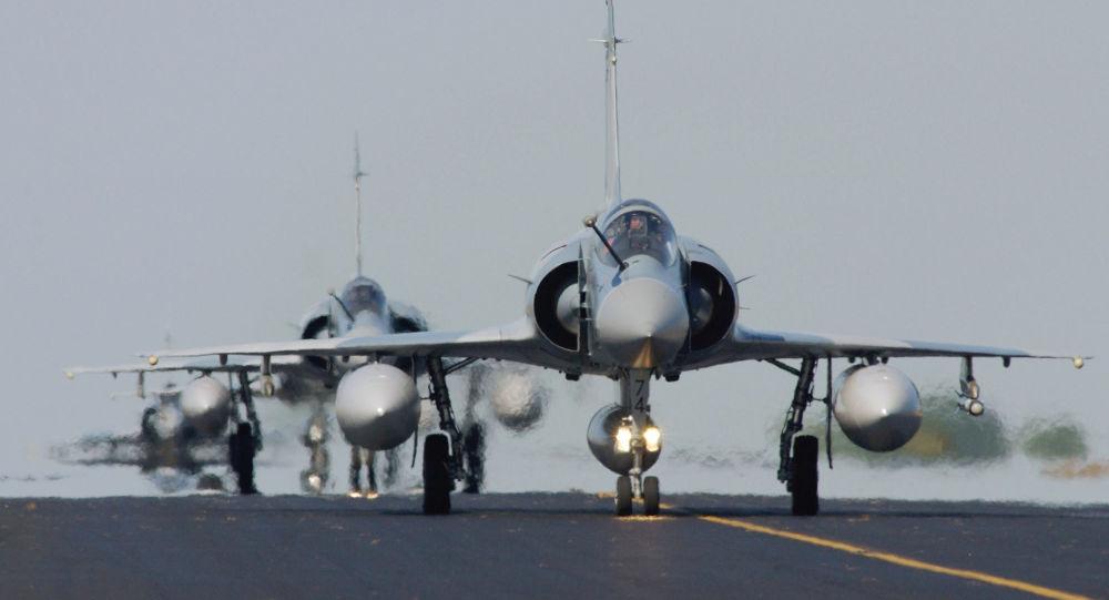Samolot Rafal sił powietrznych Francji