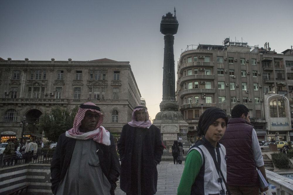 Ludzie na placu w Damaszku